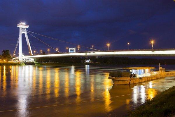 D. Čahojová, J. Mrva: Osvetlenie a parkovanie - poslanci megatendre mesta kritizujú