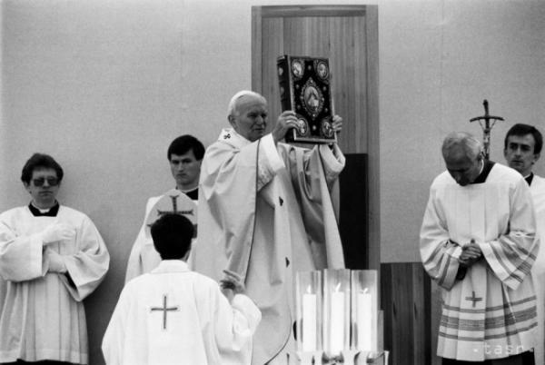 Pripomíname si 28 rokov od návštevy Jana Pavla II.  Vyhlasenie verejnej zbierky.