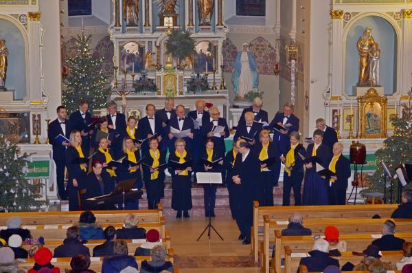 Ozveny Vianoci vo farskom kostole Sedembolestnej Panny Márie