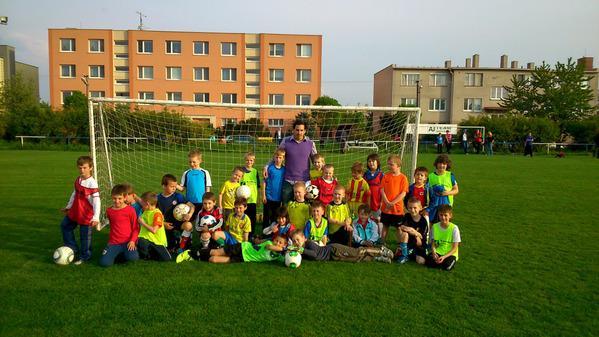 Podporme malých vajnorských futbalistov - Spoločné klubové oblečenie detí