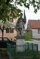 Kvôli odbornému reštaurovaniu je socha sv. Floriána z námestia dočasne prevezená do ateliéru